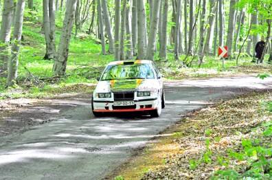 25.Halmos Gábor,Simon Nikolett BMW E36
